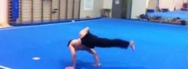 Walking Straddle Planche